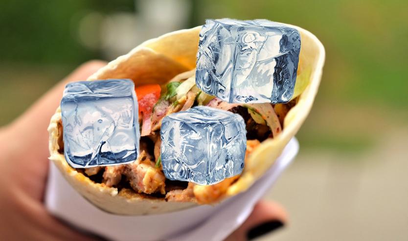 Dumnezeu îi ajută pe români în plină caniculă: a apărut shaorma cu gheață!