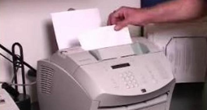 În semn de solidaritate cu sutele de mii de angajați la privat care rămân fără joburi,bugetarii renunțăla sporul de fax!