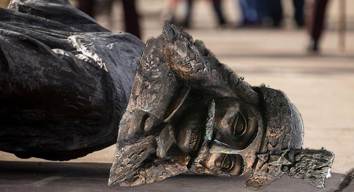 Mai mulți parlamentari au dărâmat statuia lui Țepeş pentru că acesta a fost un om rău: îi trăgea în țeapă pe hoți!