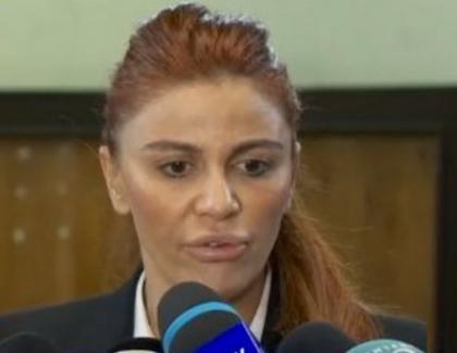 Botoxata cu mașini de sute de mii de euro - așa arată o victimă buzată a statului paralel!