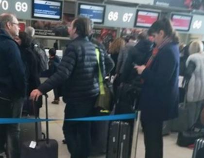Antena3: Kovesi a fugit din țară cu un avion plin cu lingouri de aur!