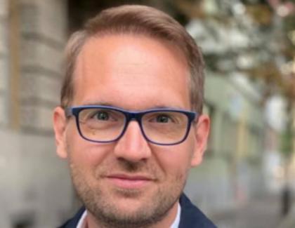 Fraudă la Timişoara: Pentru Dominic Fritz au votat 20.000 de nemți aduşi cu autobuzele din Berlinşi cazați la Continental câte 150 în cameră!