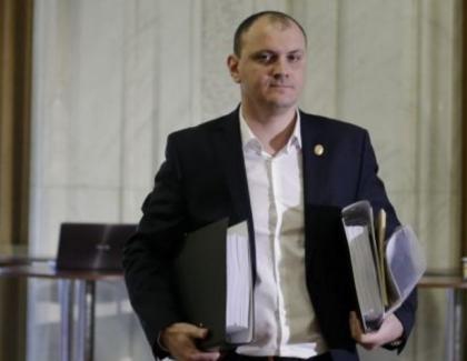 Ne pleacă valorile: Un om de afaceri român a fost admis la 15 puşcării din străinătate!