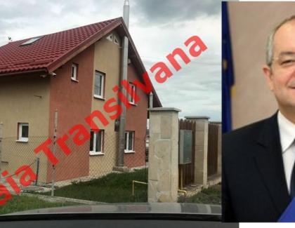 Vila lui Boc din comuna Apahida, o ruşine națională! Încap 3-4 ca asta în pod la Videanu