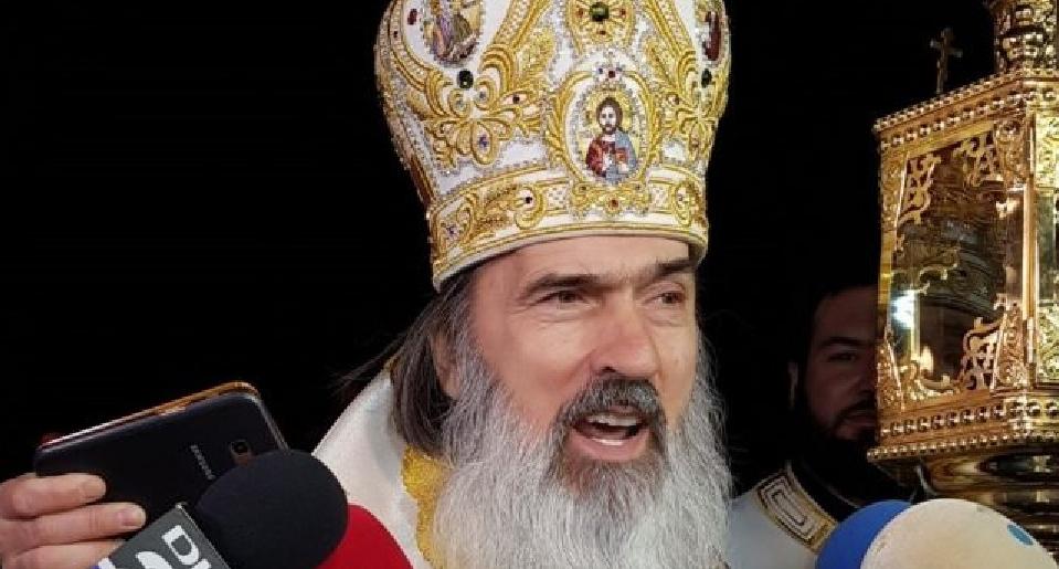 ÎPS Teodosie a intrat în sevraj după lovele:vrea pelerinajpelerinajul de Sfântul Andrei, chiar dacă Constanţa a intrat în carantină