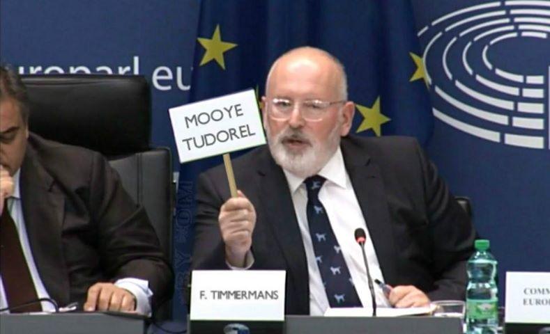 Frans Timmermans a răspuns în olandeză la scrisoarea lui Tudorel Toader!