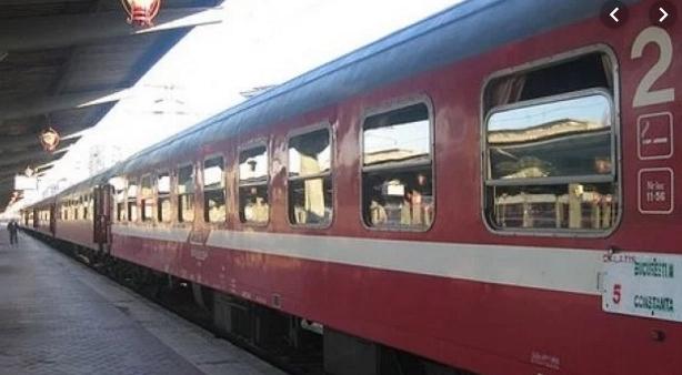 Reguli noi pe CFR: nu te vei mai putea urca în tren decât dacă aimâncare şi băutură pentru 2-3 zile!