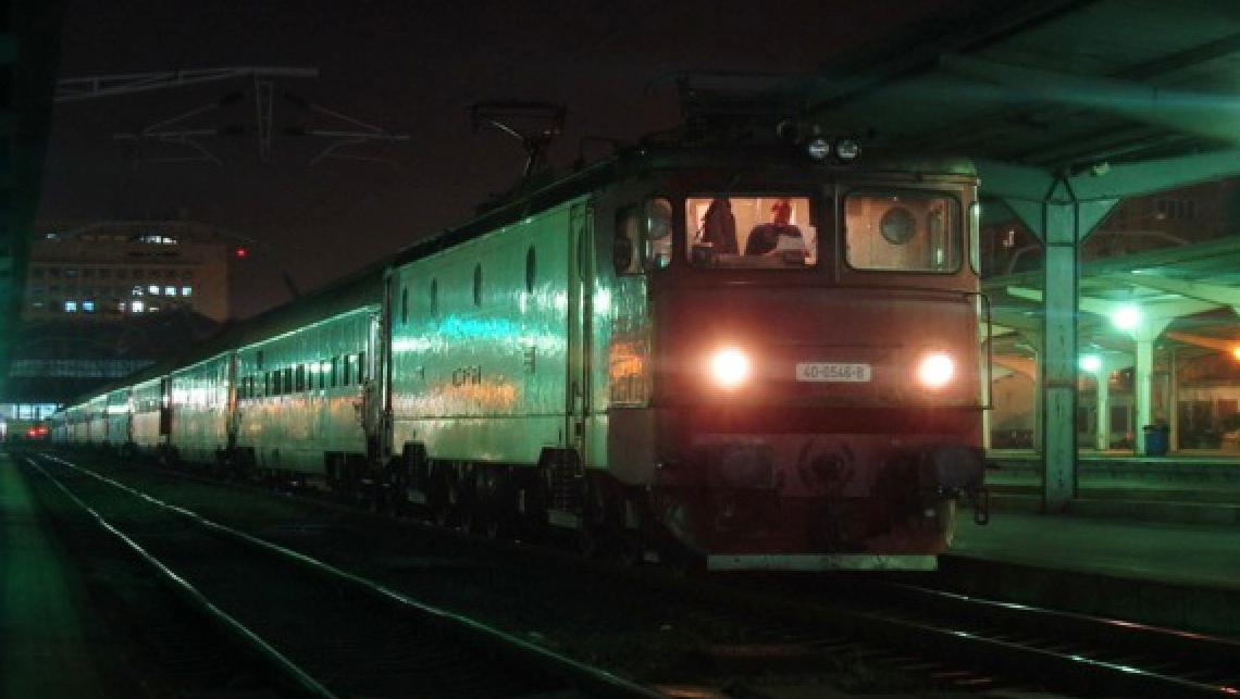 """CFR: """"La noapte, trenurile vor întârzia cu o oră mai puțin: a doua oră de întârziere devine prima oră de întârziere!"""""""