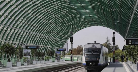 Premieră istorică: trenul Bucureşti - Otopeni a ajunsla destinație mai repede decât avionul Otopeni - Beirut!