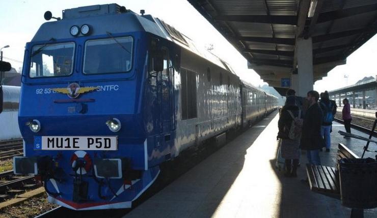 Trenul care a plecat ieri la Viena s-a întors azi cu plăcuțe de înmatriculare suedeze!