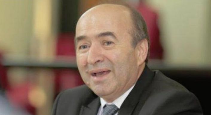 Bravo Tudorele! România a devenit oficial prima țarăîn care infractorii îi ancheteazăpe procurori