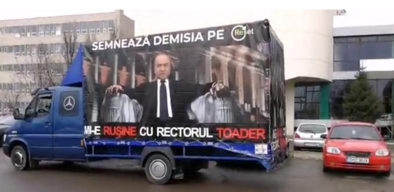 M_IETUDOREL cu camionul: studenților din Iași le e rușine cu rectorul lor!