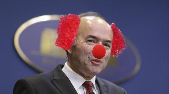Criză de personal la circ: toți clovnii au intrat în politică!