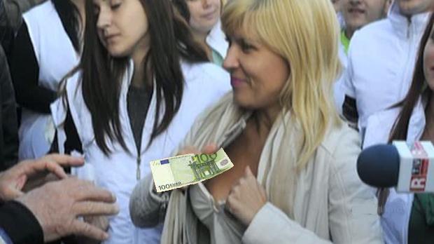 Udrea a găsit 100 de euro în sutienul de toamnă!