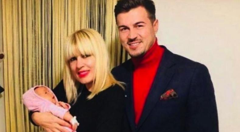 Elena Udrea a născut prematur, după doar 20 de luni de sarcină!