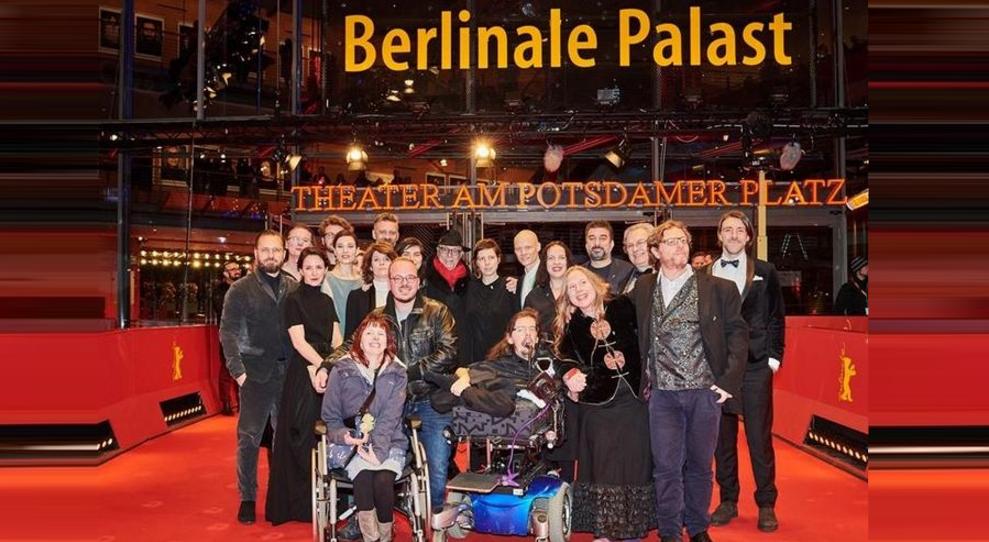 """Filmul """"Nu măatinge-mă"""", de Adina Pintilie, a luat""""Ursul de Aur"""" la Berlin! La MȚRva lua """"Plimbă ursul de aici!"""""""