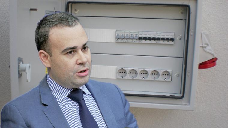 Geniu: Darius Vâlcov a furat tabloul electric de la Muzeul Național de Artă!