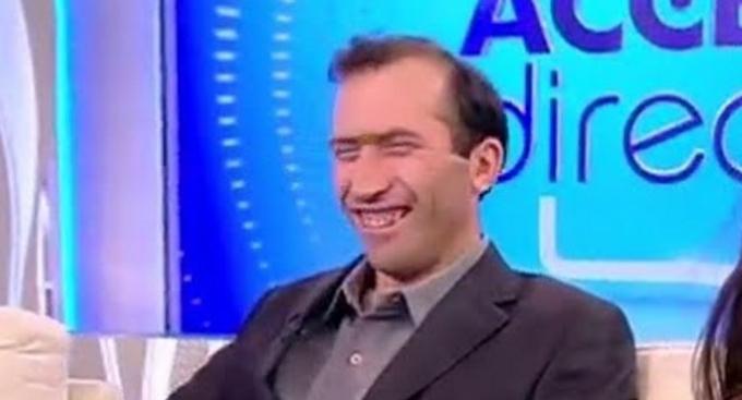 Viitorul premier al României. Măcar ține proştii în casă, la televizor!