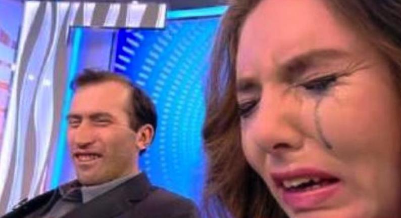 """Un telespectator explică de ce se uită la Viorel şi Vulpița:""""Ți se umflă pipotacândvezi că există prosti mai mari ca tine!"""""""