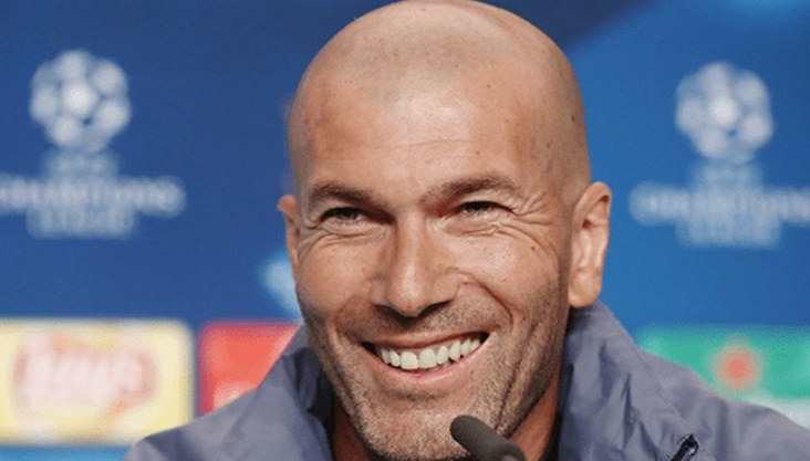 """Zinedine Zidane: """"Mă onorează comparația cu Ianis Hagi, dar mai am mult de muncit ca să ajung să greseşc 7 pase din 8, chiar şila vârsta mea!"""""""
